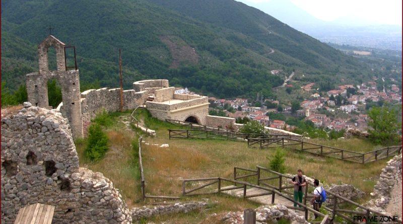 Il Castello di Rupe Canina, il borgo abbandonato di Sant'Angelo d'Alife