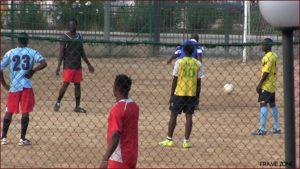 Ragazzi immigrati del Centro Ferndandes che giocano a calcio