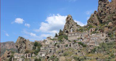 Pentedattilo paese fantasma in Calabria